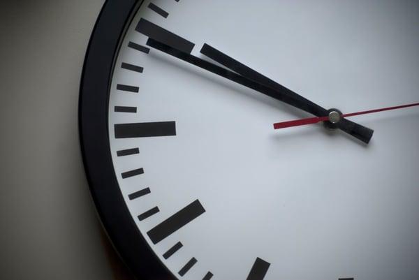 analogue-classic-clock-280264