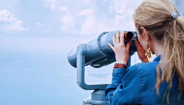binoculars-blond-blonde-160514