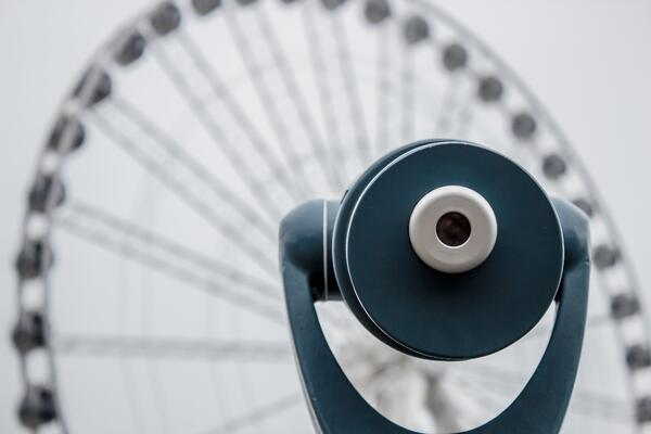 binoculars-circle-ferris-wheel-6873